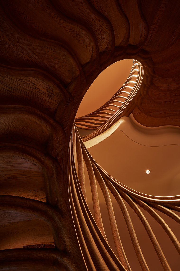 Grand-Design-Staircases_Hide_HR0012